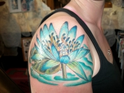beautiful-water-lily-on-shoulder-b98b69825c44288af2e301b1aa3334864ce50e89