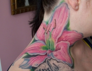 flower-neck-tattoo-2