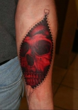 red-skull-zipper-tattoo-l
